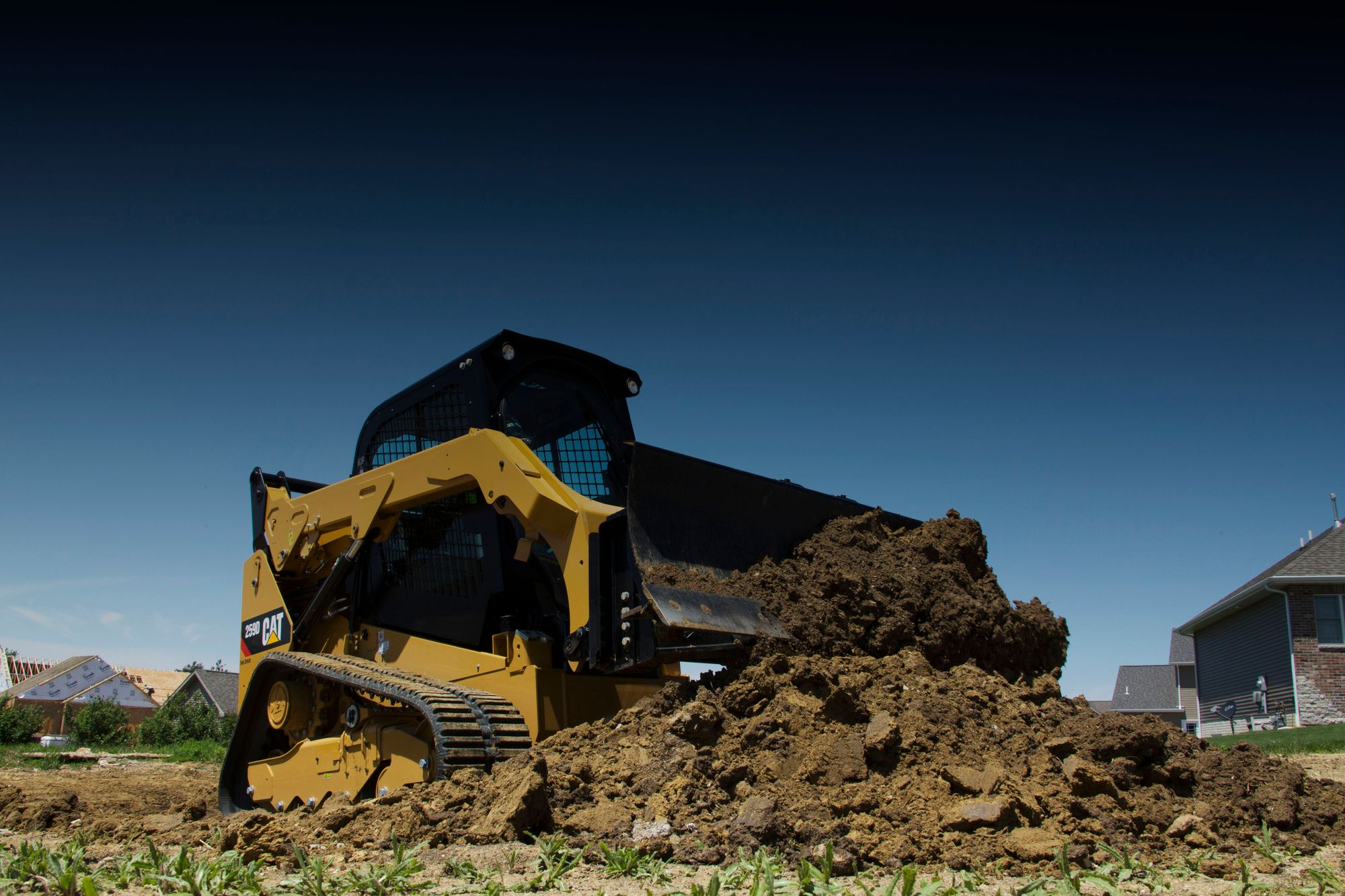 5 Considerations when Renting a Cat® Skid Steer